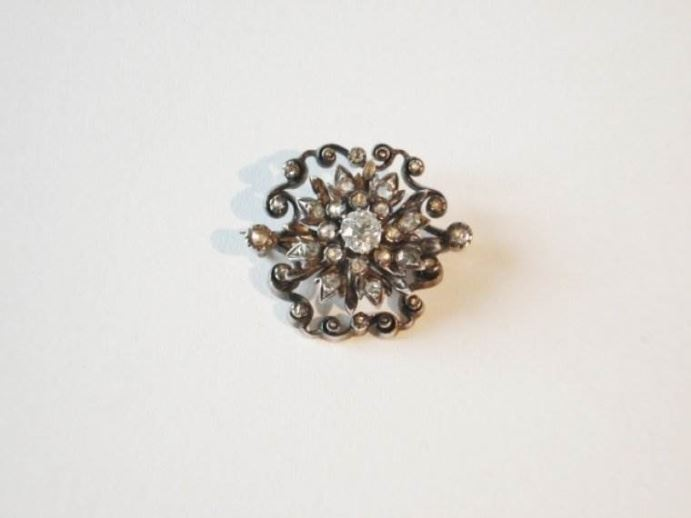 Nederlands broche met diamanten