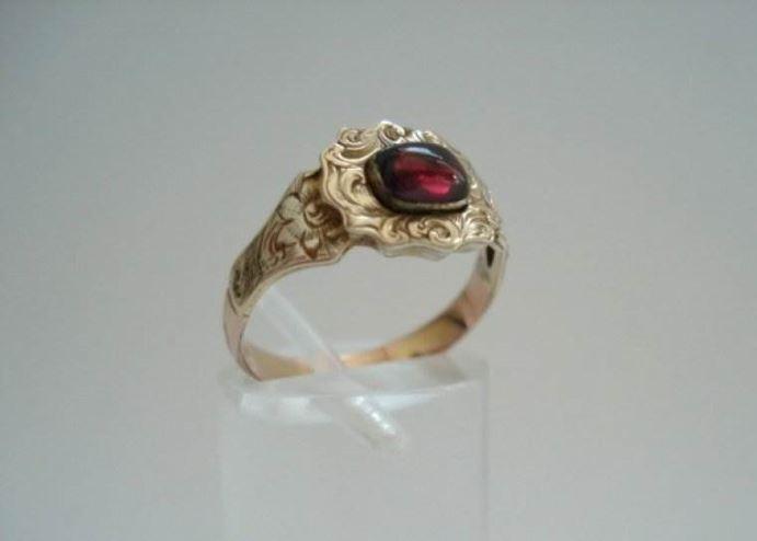 Anita Potters juwelier antiquair   Verkocht Antieke Engelse ring
