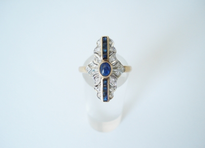 Art Deco ring saffier briljant